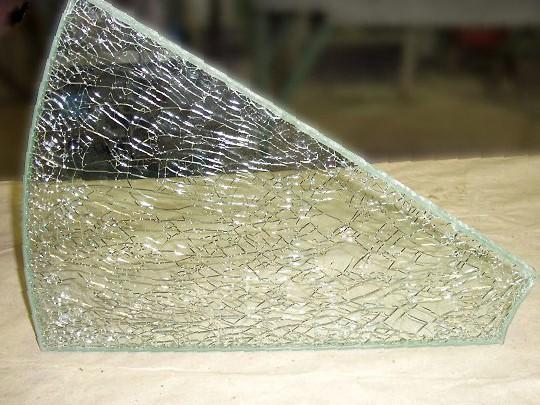 Как бьется стекло